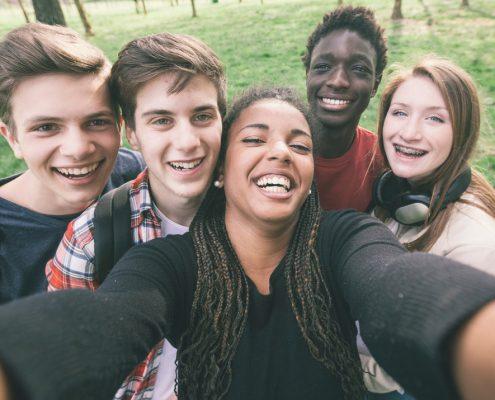 cheering teens
